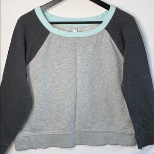Gap Fit Women's Gray Sweater with Blue Collar